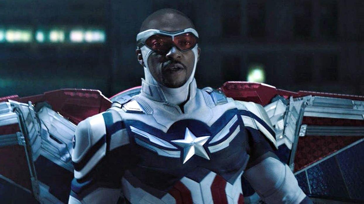 Sam Wilson como Capitão América em 'Falcão e o Soldado Invernal'