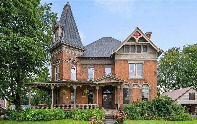 1883 Victorian For Sale In Stillwater New York — Captivating Houses