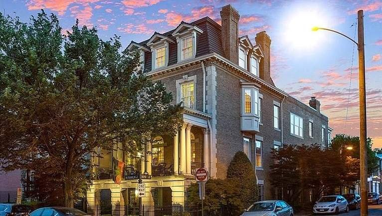 1910 Georgian Revival For Sale In Richmond Virginia — Captivating Houses