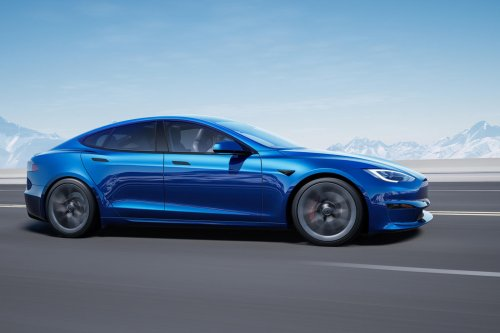 Update: Tesla Model S Customers Can Now Pick Up Their Cars