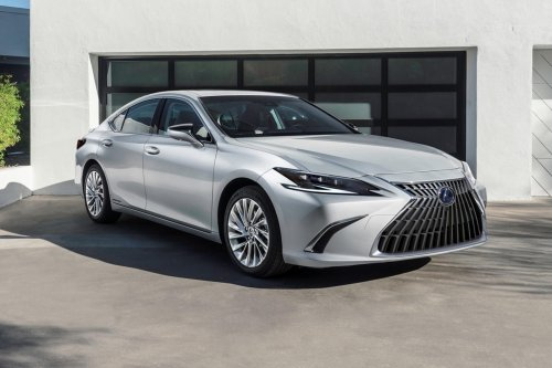 2022 Lexus ES Debuts With Sharper Styling And More Tech