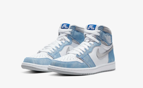"Defund The SNKRS App: Sneakerheads Livid Following The ""Release"" of The Air Jordan 1 'Hyper Royal'"