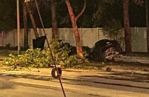 Camaro demolished, one dead in overnight crash in Kelowna (Kelowna)