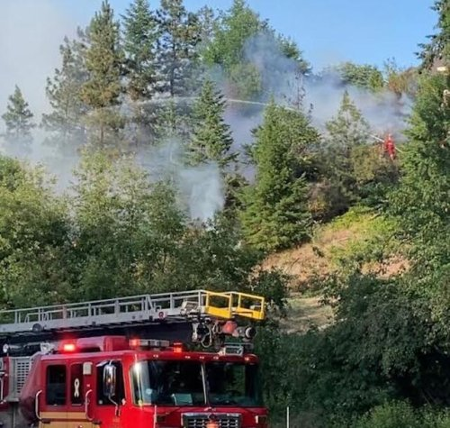 Brush fire in East Kelowna doused Thursday evening, another fire in Spall Road area this morning - Kelowna News