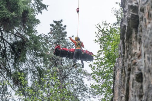 Injured climber rescued by helicopter from Skaha Bluffs - Penticton News