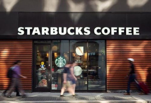 Starbucks Canada raising wages amid 'critical staffing shortages' (Business)
