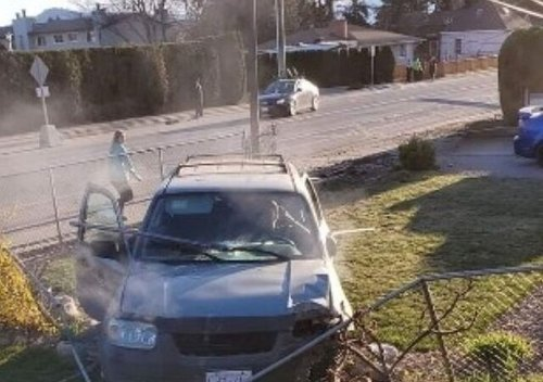 Weekend crash in Vernon shears off power pole, police investigating (Vernon)