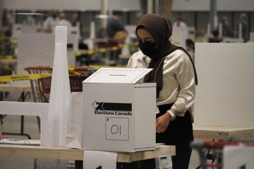 Liberals win minority, but some B.C. battleground ridings still on the line (BC)