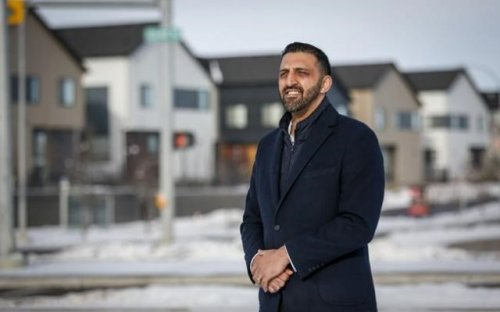Police looking at new Calgary MP after video appears to show flyer swap on doorstep (Canada)