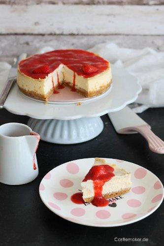Unglaublich cremiger NY Cheesecake mit Erdbeersoße « Castlemaker Food & Lifestyle Magazin