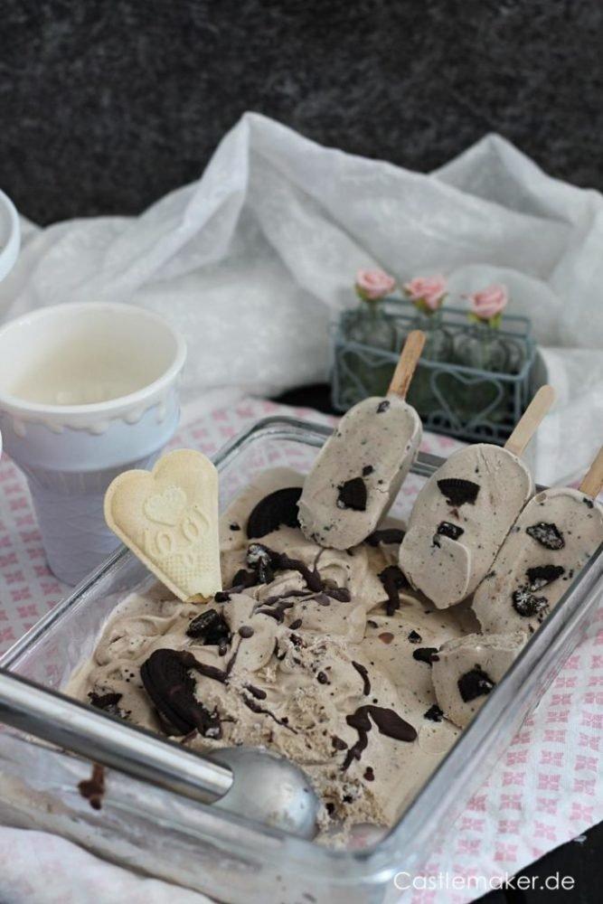 Oreo Eis Rezept für cremiges Cookies & Cream Eis mit oder ohne Eismaschine