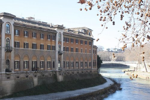 Vatican steps in to help failing Catholic hospital in Rome
