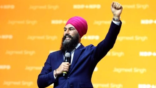 Singh targets Liberals, hard-hit Canadians in convention speech | CBC News