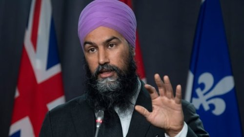 Jagmeet Singh says there's a link between anti-maskers and far-right extremism   CBC News