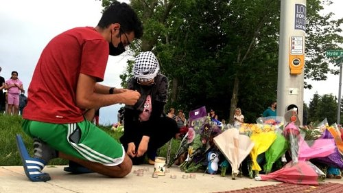 Muslims in London, Ont., express shock, grief in wake of 'planned' hit and run   CBC News