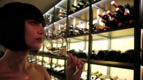 Which bottle of wine at a restaurant has the biggest markup? The answer may surprise you   CBC News