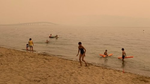Air quality from wildfire smoke hits dangerous levels across B.C.   CBC News