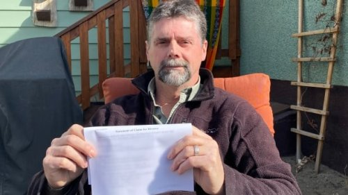 Man hires paralegal to handle his divorce — discovers he's still married | CBC News
