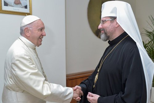 Pope Francis prays for peace as Ukraine-Russia tensions rise