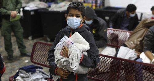 Number of unaccompanied migrant children held by Border Patrol falls 88% in 5 weeks