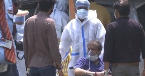 Video: U.S. pledges vaccine help while record COVID surge grips India