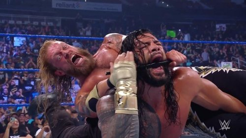 WWE SmackDown results, recap, grades: Edge stands tall against Roman Reigns yet again