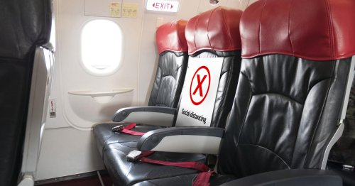 Blocking middle seats on planes reduces virus exposure, study says