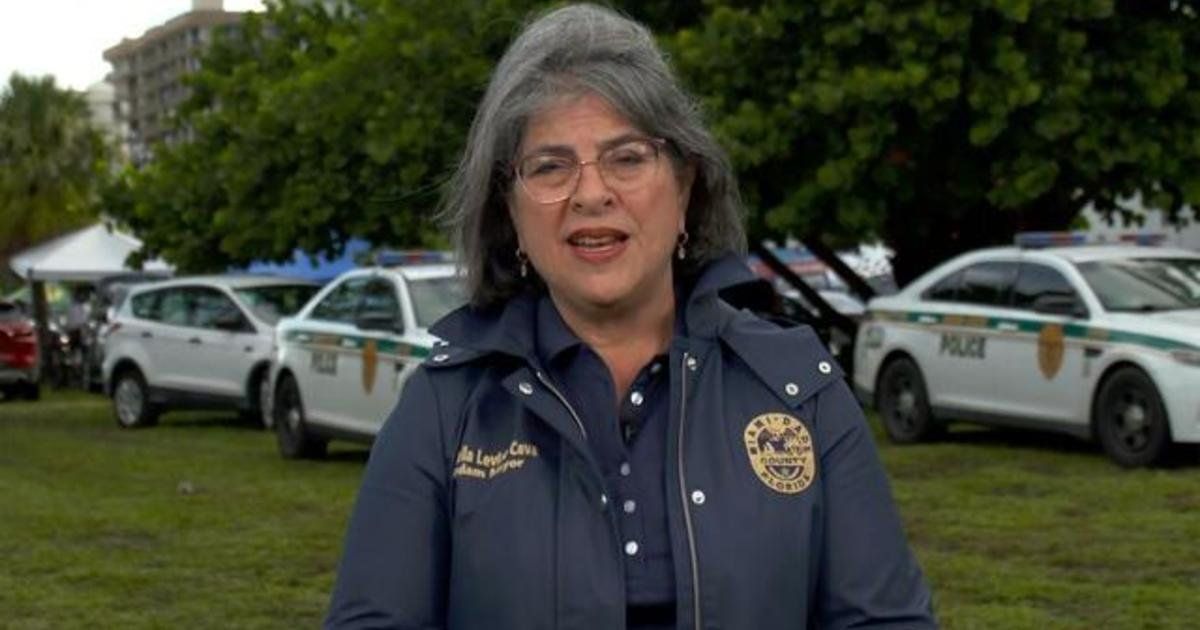 """Miami-Dade County mayor says first responders still in """"search-and-rescue"""" mode"""