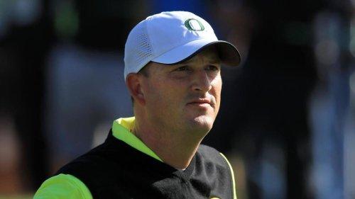 Former PGA Tour golfer Casey Martin undergoes surgery to amputate right leg, per report