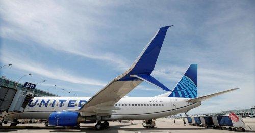 Airlines pull back on alcoholic beverages on flights amid bad passenger behavior