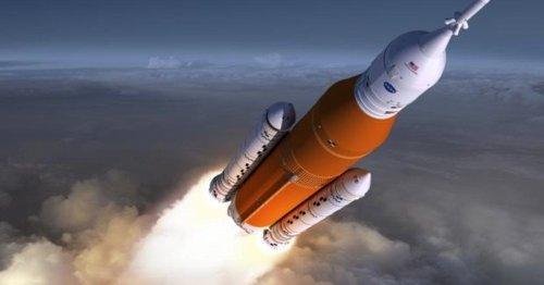 NASA test firing of huge SLS moon rocket sets stage for maiden flight
