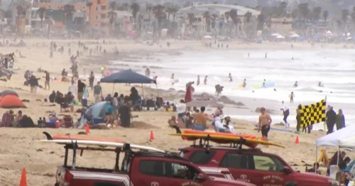 Memorial Day weekend sees travel rush as COVID cases decline