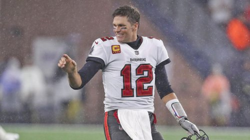 Tom Brady says he gave Buccaneers fan a Bitcoin to repay him for giving up ball from 600th career TD pass