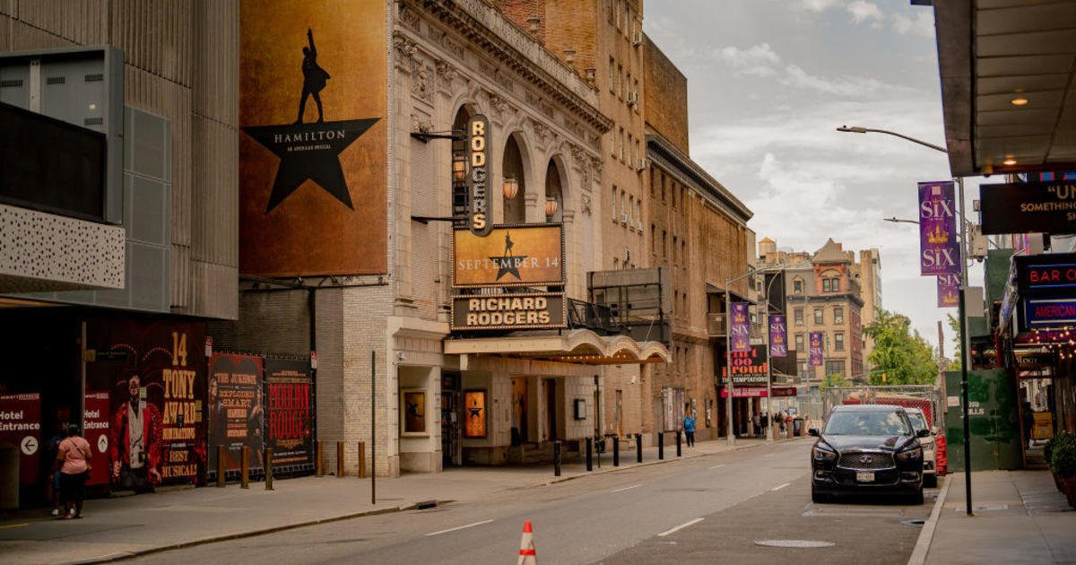 """""""It's electric"""": Broadway reopens at full capacity with shows including """"Hamilton"""""""