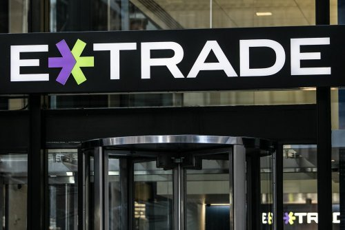 E-Trade One-Ups Rival, Readies Launch of Bitcoin Trading to Millions