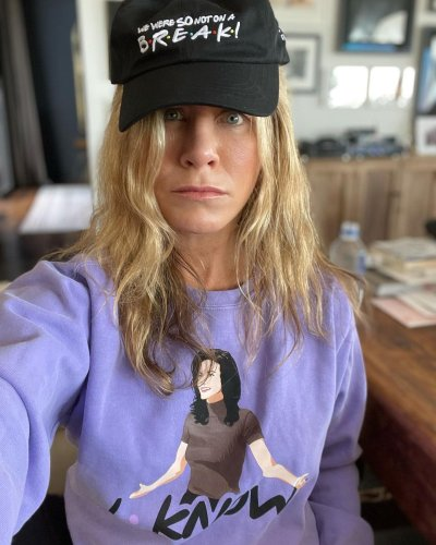 Jennifer Aniston Just Posted A No Make-Up Selfie And How Is She 52?