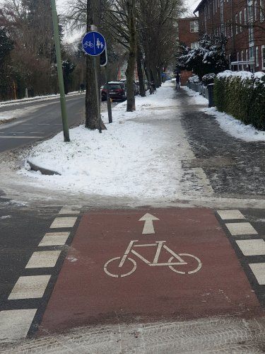 Kein Winterdienst auf Radwegen? CDU regt Aktualisierung der Räumungspläne an.