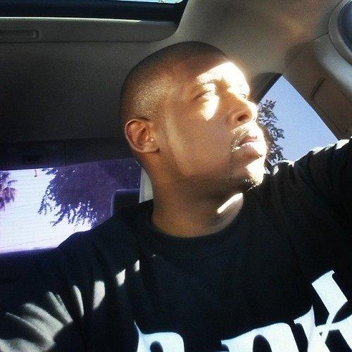 Creator Spotlight – Lonnie Lowe Jr. of Dark City Comics, Publisher of E.P.I.C.
