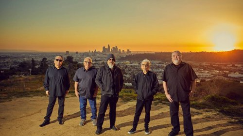 Los Lobos returns to touring, will stop in State College with new covers album