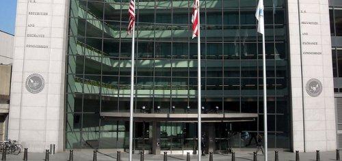 Rev rec manager at hub of fraud ring, SEC says