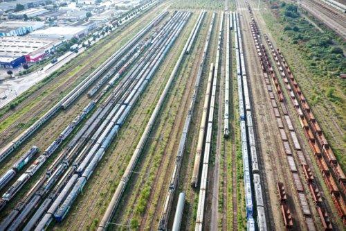 Vieux train cherche recyclage désespérément - Challenges
