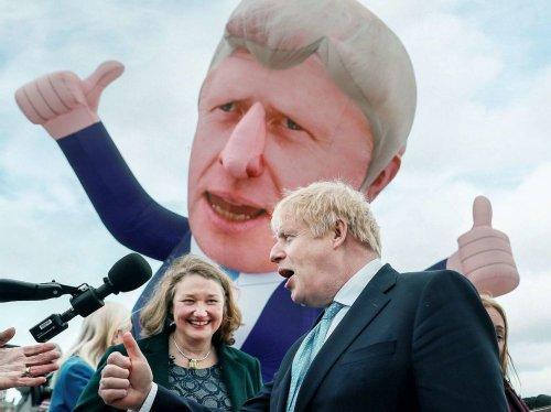 Royaume-Uni post-Brexit: Boris Johnson regonflé à bloc