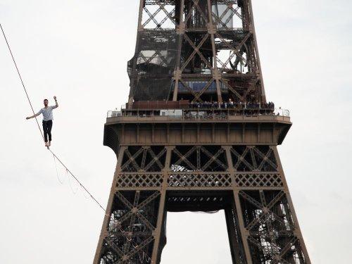 A Paris, Nathan Paulin relie la tour Eiffel au théâtre de Chaillot suspendu à une sangle - Challenges