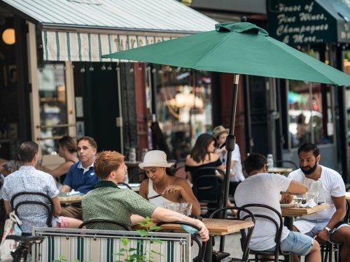 Vaccination obligatoire pour aller au restaurant à New York, une première aux États-Unis