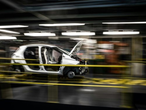 """Renault peut créer """"l'équivalent de 8 milliards"""" d'euros de PIB par an en France, selon De Meo"""