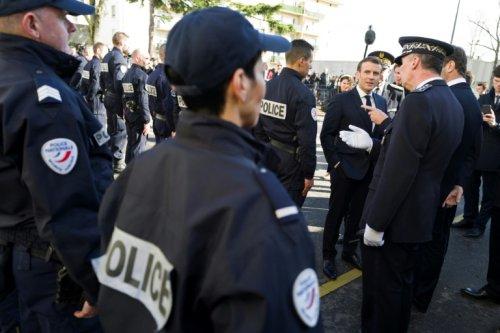 """""""Plus de bleu sur le terrain"""": Macron repart à l'offensive sur la sécurité"""