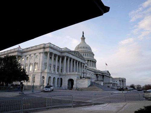 USA: Un policier du Capitole accusé d'avoir demandé à un émeutier de détruire des preuves