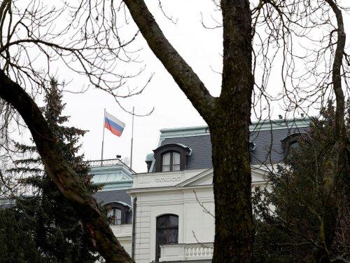 Prague expulse 18 diplomates russes dans l'enquête sur l'explosion de Vrbetice