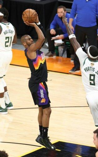 Finale NBA: Milwaukee s'impose à Phoenix, prend une option pour le titre
