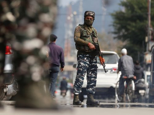 L'Inde veut protéger des travailleurs au Cachemire dans des camps